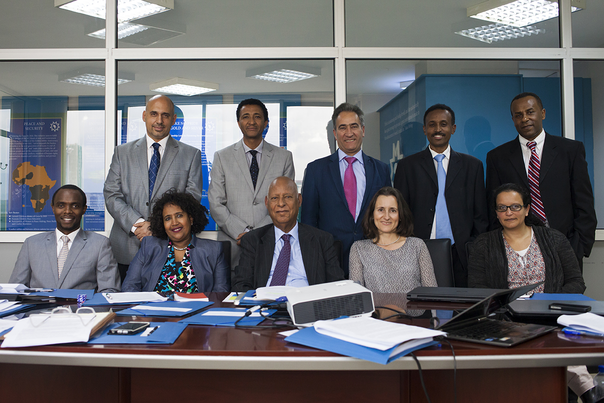 Lo staff dell'ufficio di Addis Abeba della Bahá'í International Community.